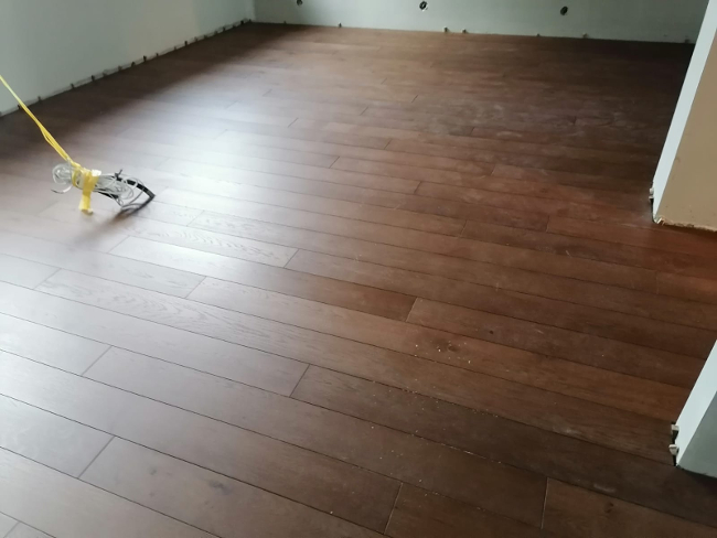 drewniane panele podłogowe